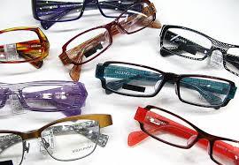 視力低下の原因はメガネやコンタクトレンズ1