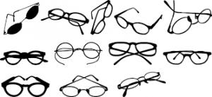 メガネだと目が小さく見える