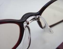 メガネの鼻パッド